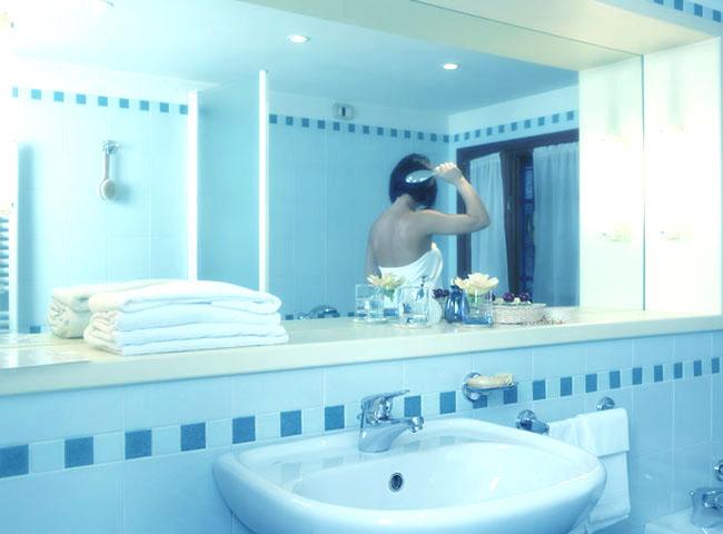 Azienda progetto bagno e casa brescia vendita arredo - Progetto accessori bagno ...